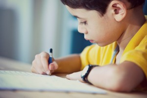 Anak Sering Berpindah Sekolah Anak Harus Berjuang Keras untuk Mengejar Ketinggalan 300x200 LOMBA MENULIS CERPEN MINI 2019